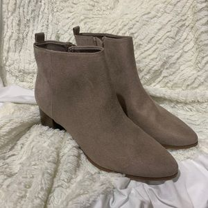 NWOT OLD NAVY MAUVE ANKLE BOOTIES
